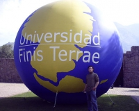 Esfera Inflable Universidad Finis Terrae
